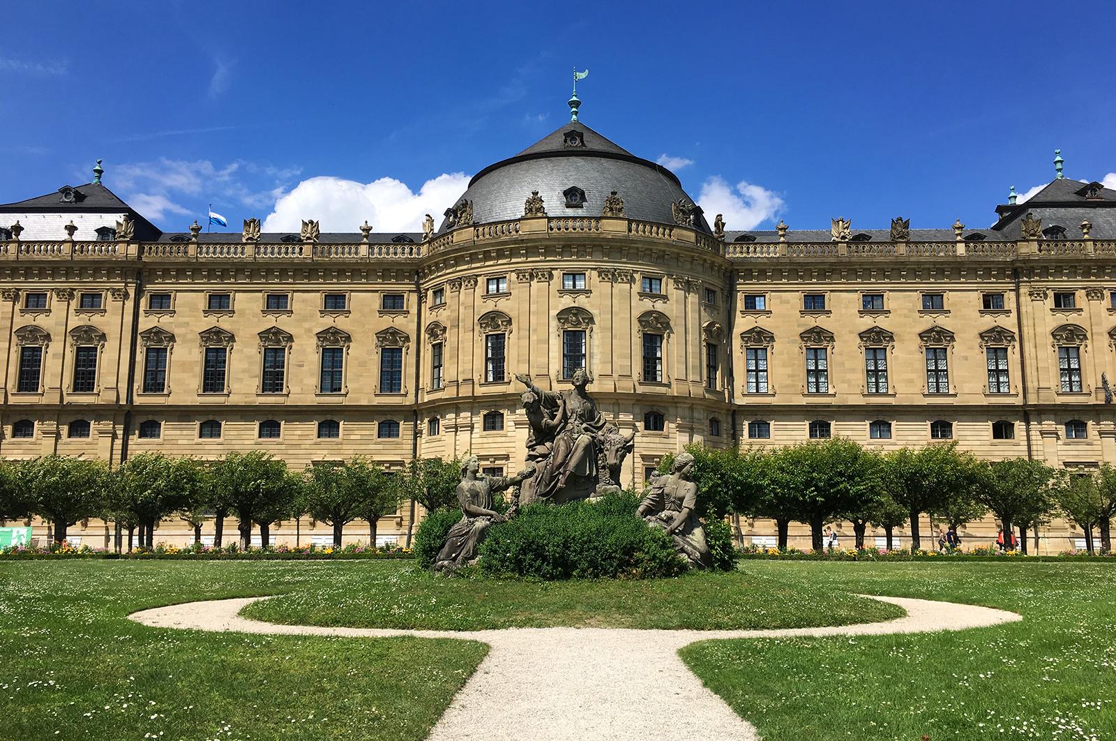 Residenz Würzburg - Würzburg Residence, view from inside the garden