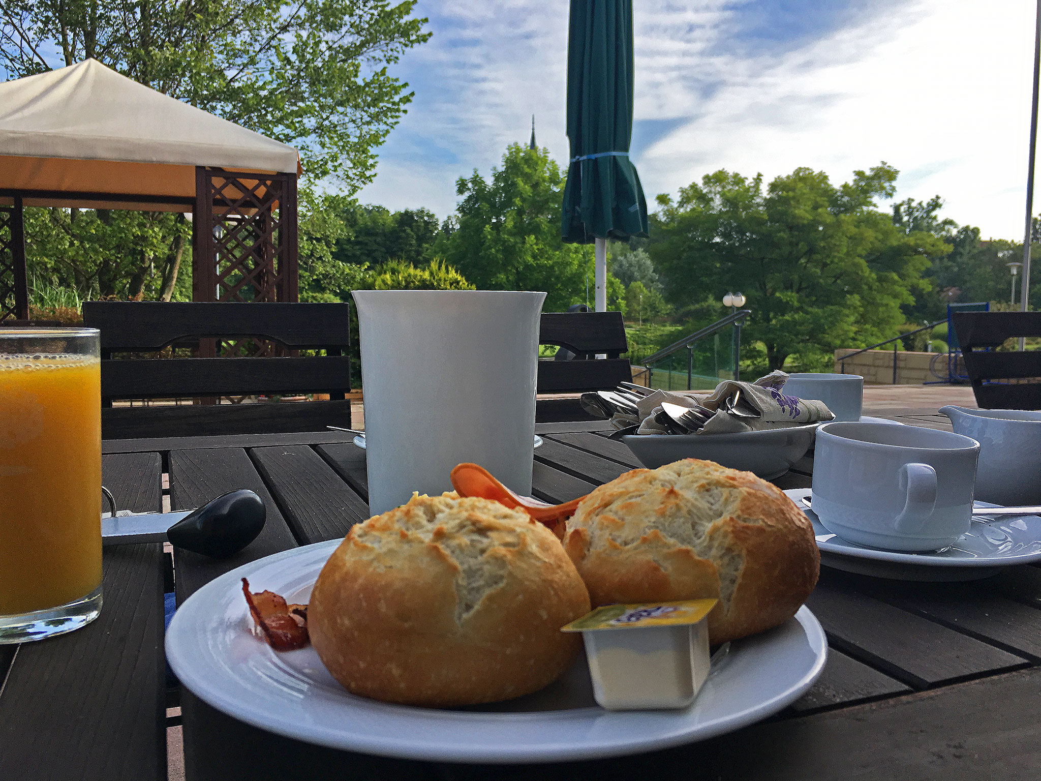 Patio breakfast picture