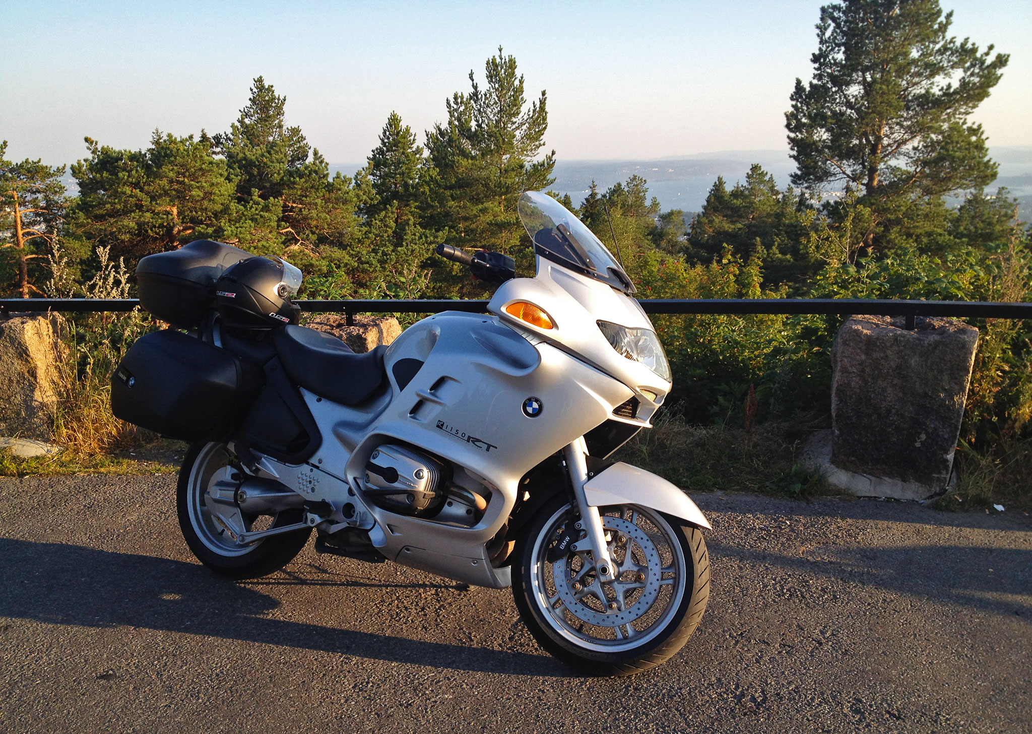 Out riding with the BMW R1150RT 2003