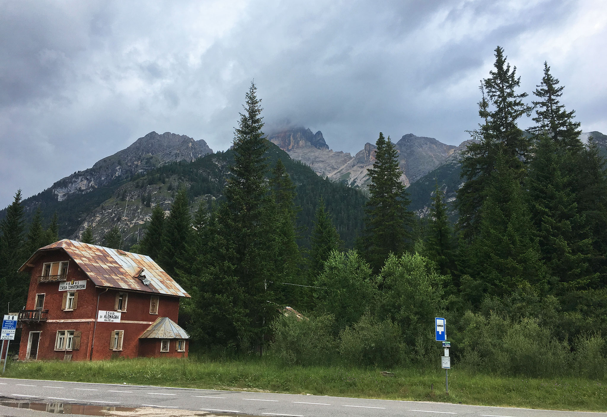 With the heayy looming clouds made a stop at Ciambache on the way towards Cortina d'Ampezzo