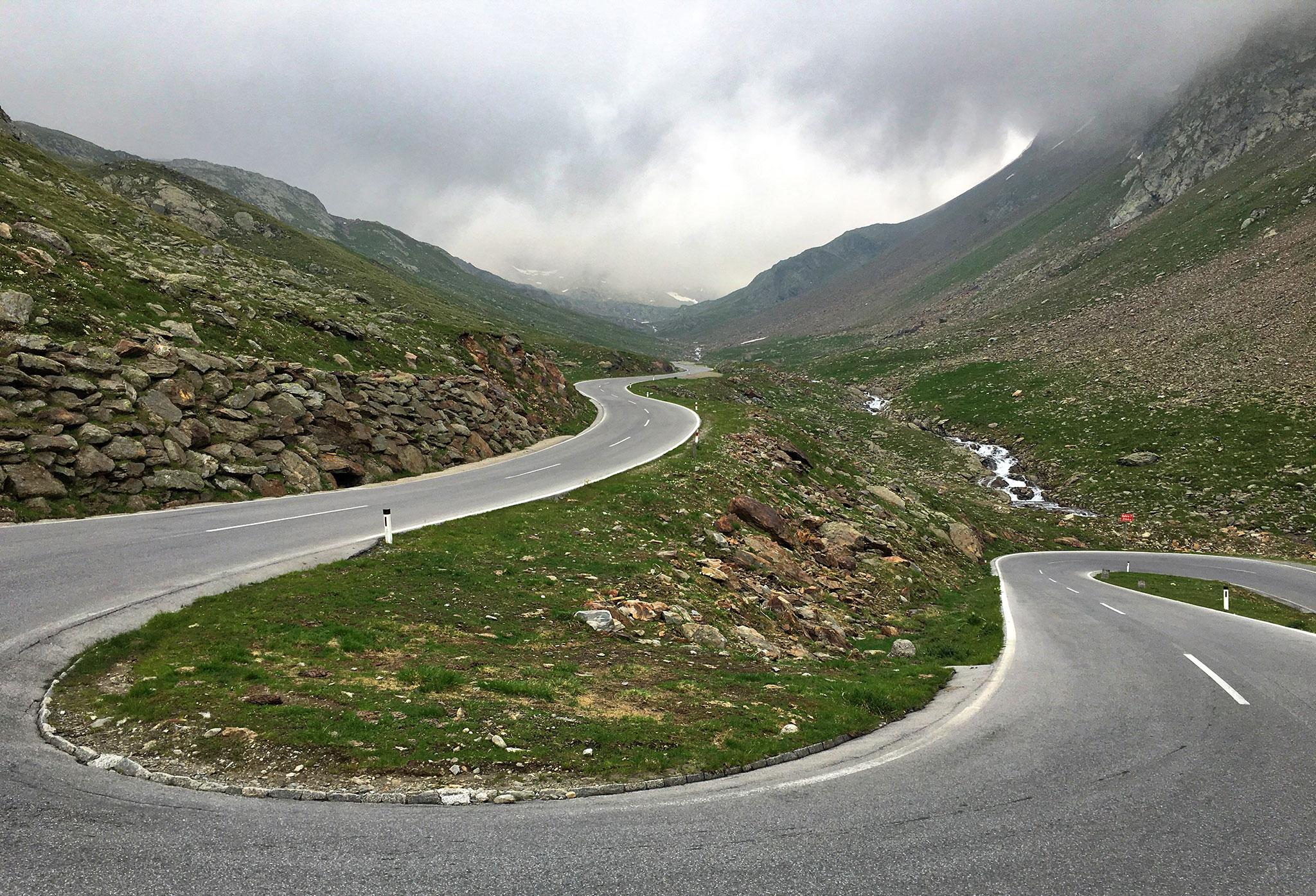Higher up along Timmelsjoch high alpine road
