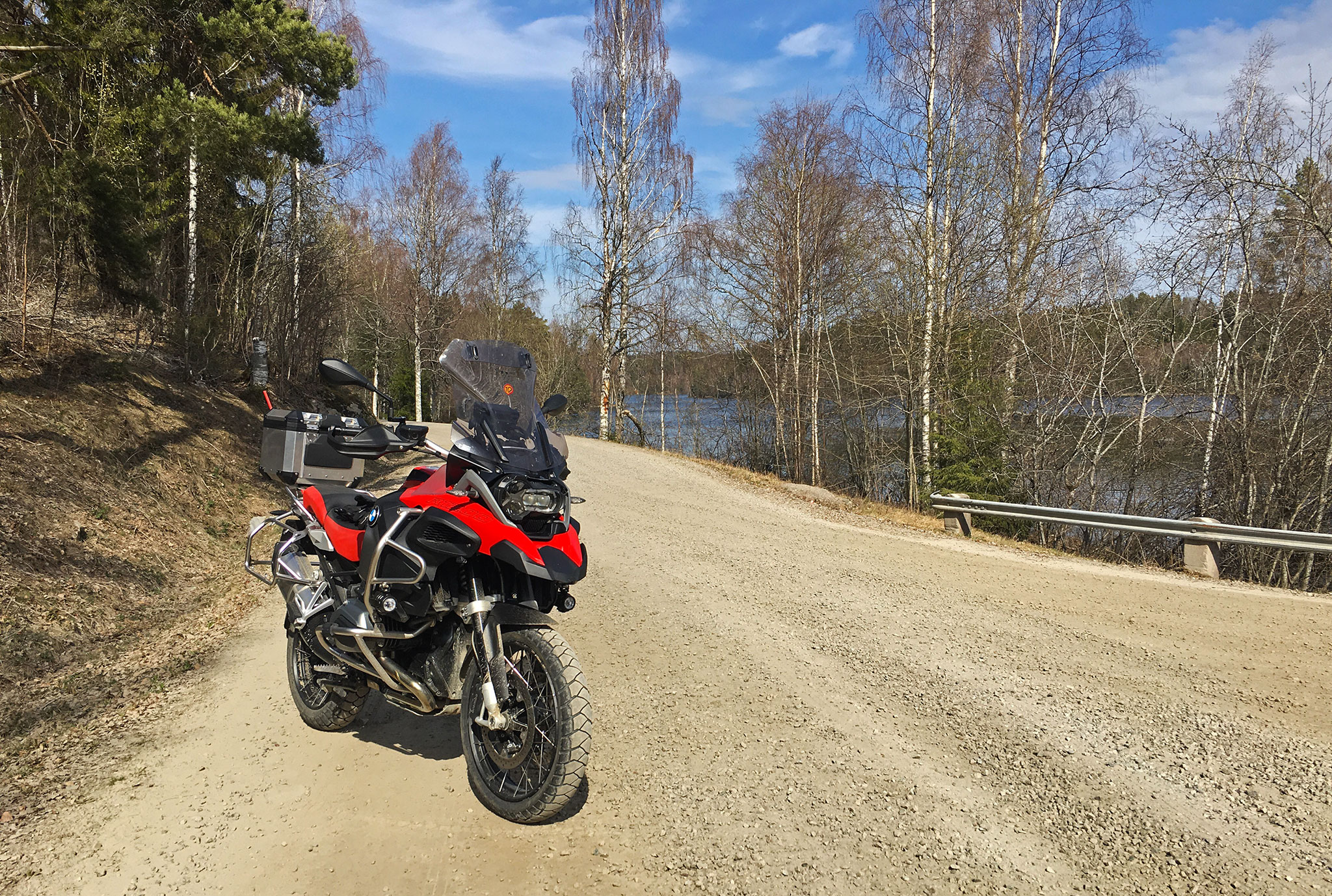 Anakee Adventure on gravel in Sweden