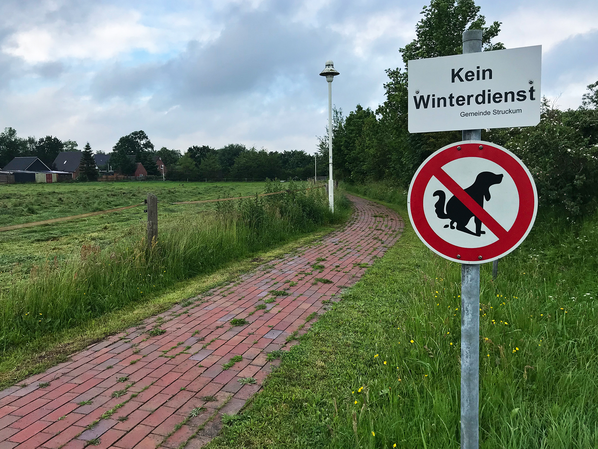 Sign says no winter service. So, no pooping dogs in winter?
