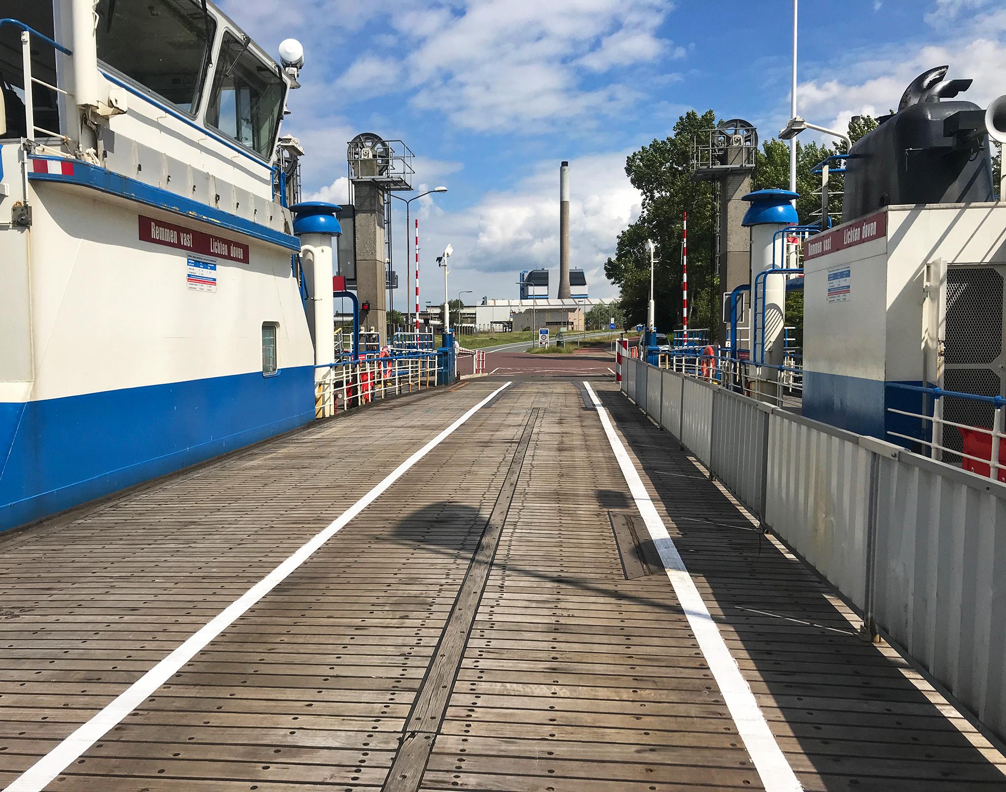 Velserpont ferry