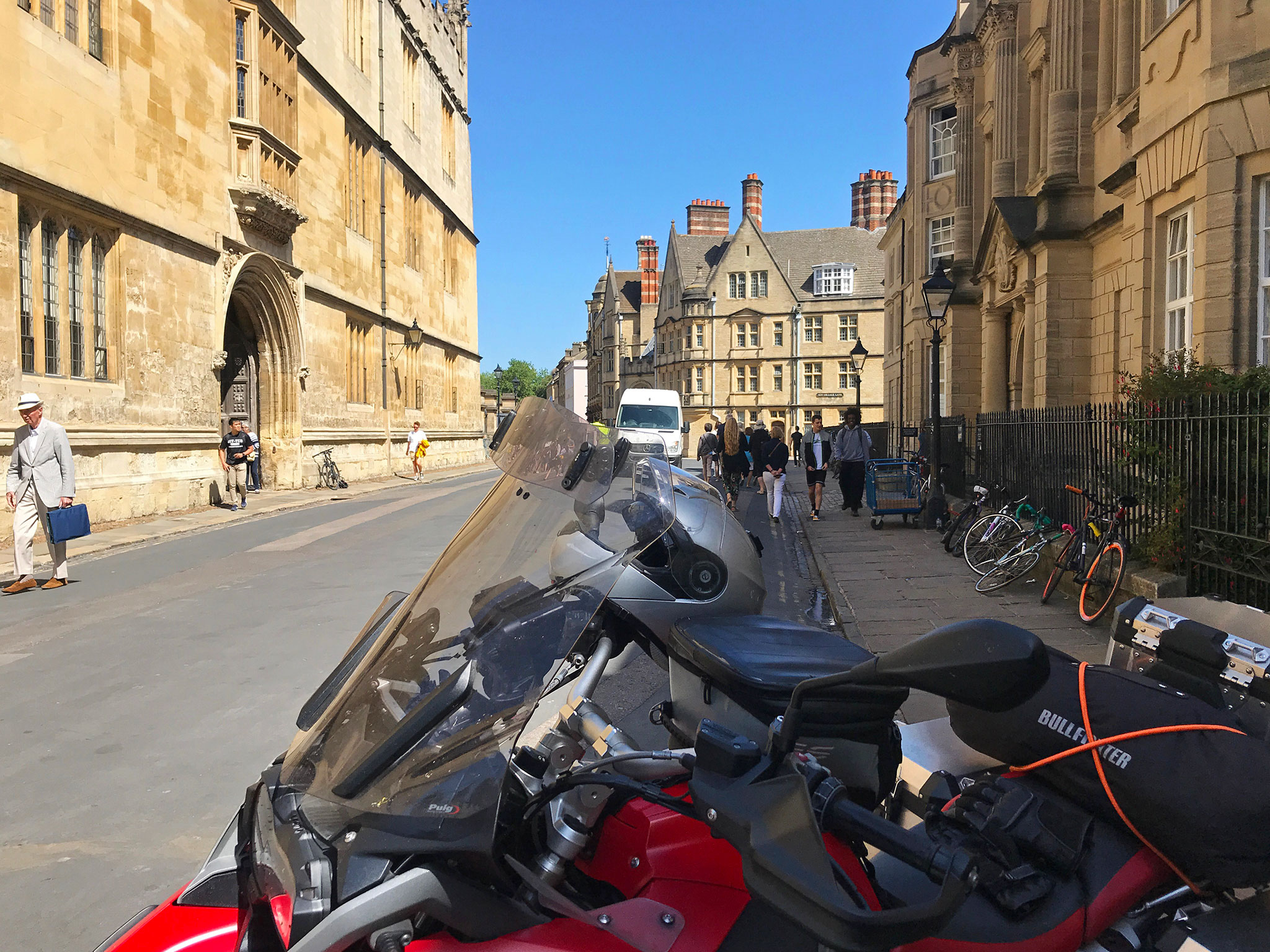 Oxford & Catte St. With the Bodleian library to the right