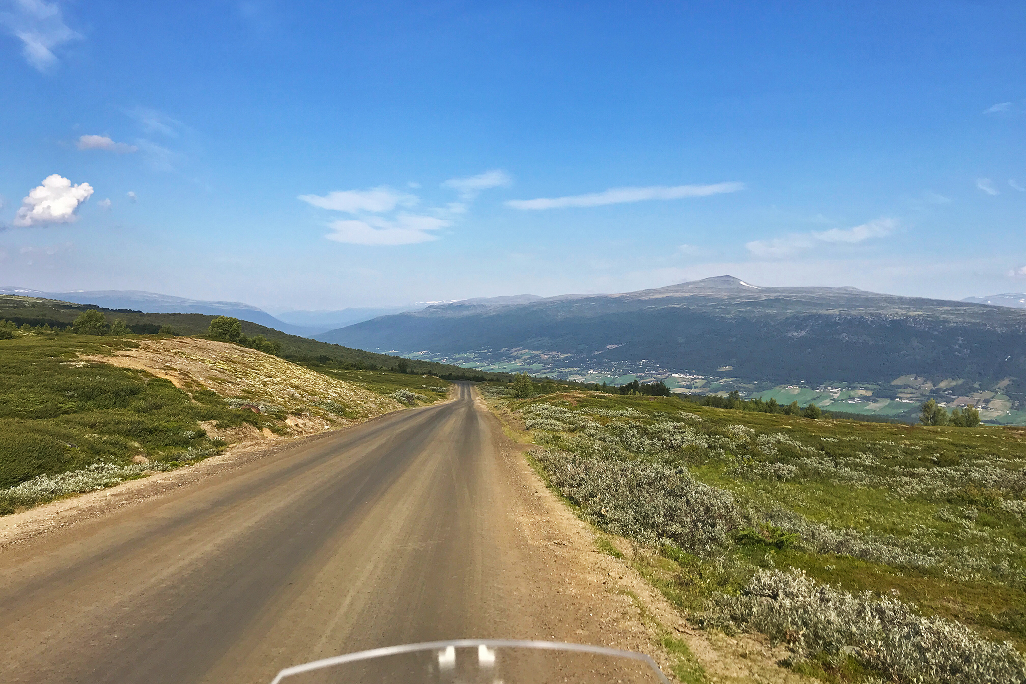 To Trollstigen: Slådalsvegen, towards Lesja. In the rear, Dovrefjell–Sunndalsfjella National Park