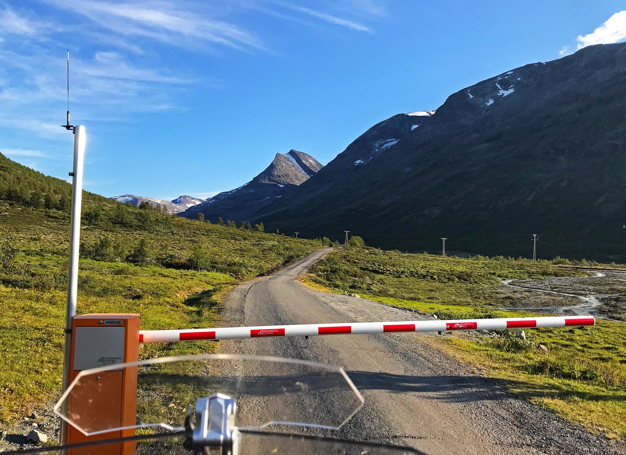 Leirdalsvegen, a toll road into Jotunheimen