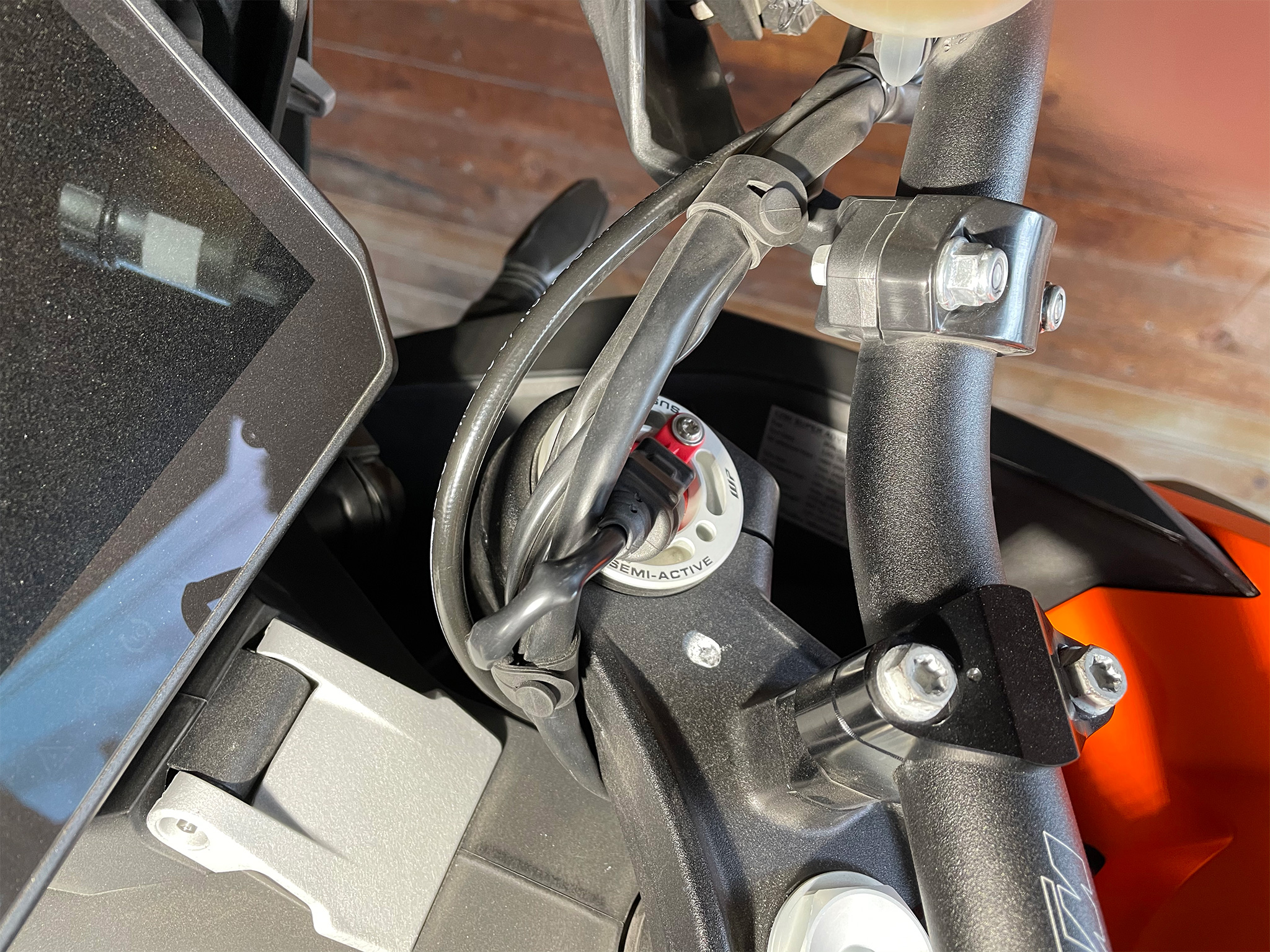 KTM1290SAS - cables right side