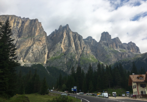 Road up to Passo di Sella