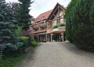 Le Petit Kohlberg, a hotel with no one home but open doors