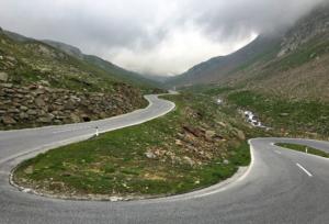 Along Timmelsjoch high alpine road