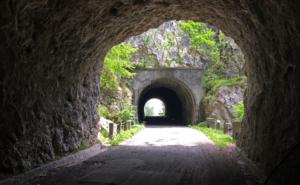 Tunnels along Patocco