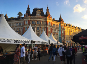 Karlovy Vary: beer and food tents