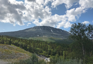Mount Gaustadtoppen, while descending on the other side