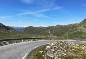 Jotunheimen: Views along Fv53