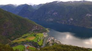 Aurlandsfjord & Aurland